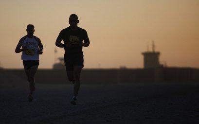 homme sportif qui courre